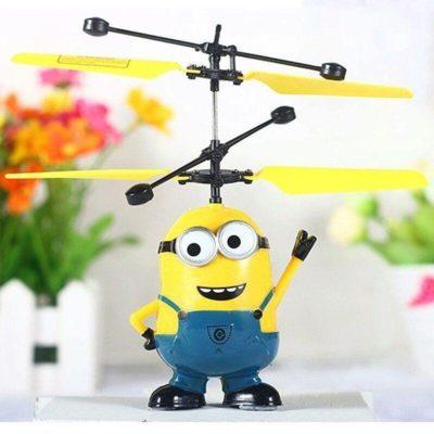 Летающая игрушка Миньон от руки вертолет-игрушка с пультом управления