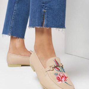 Женские туфли лоферы бежевые низкий ход