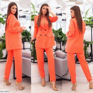 Женский стильный деловой костюм с брюками пиджак на пуговицах